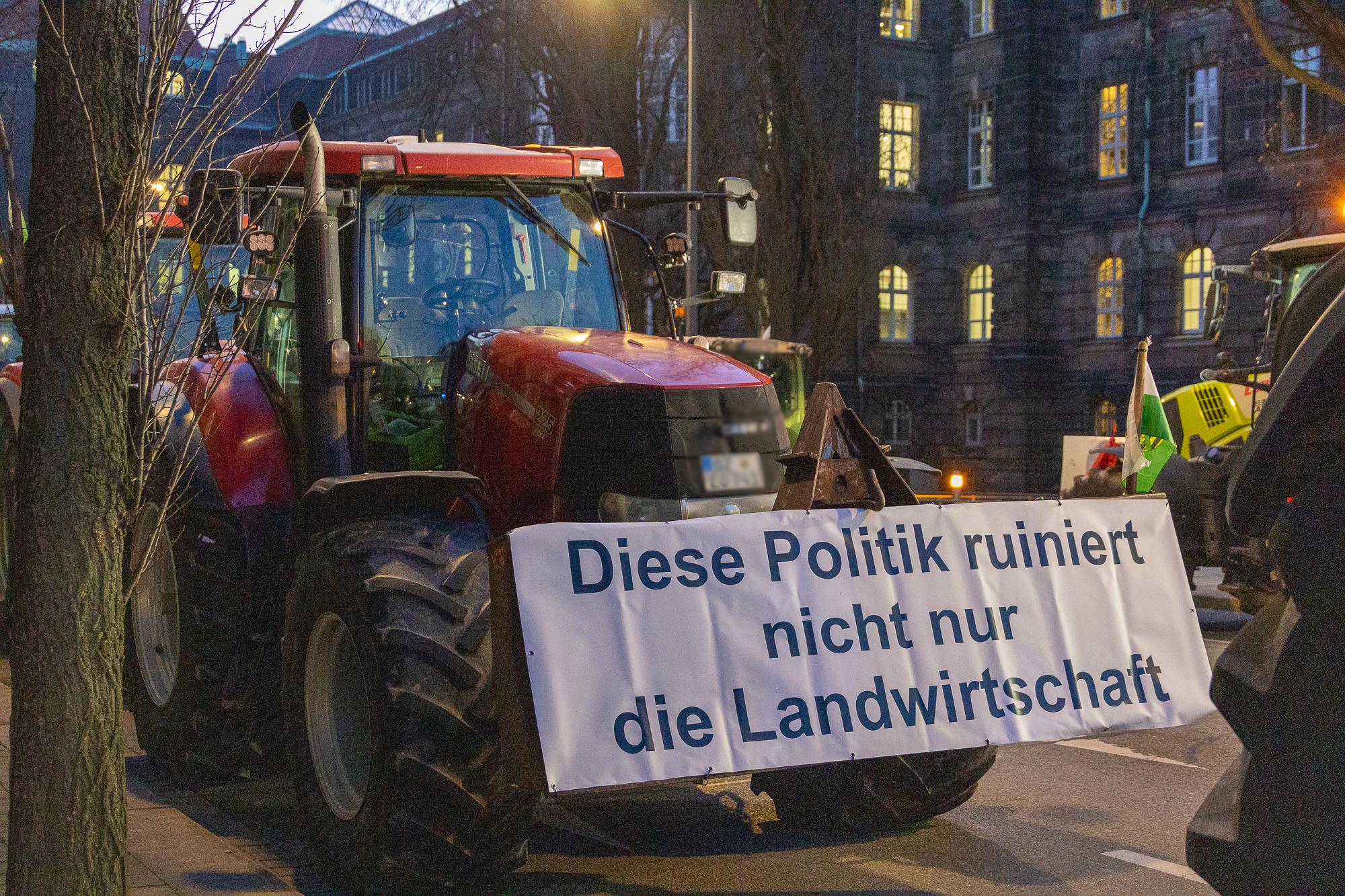 Bauernproteste – Fehlstart für grünen Landwirtschaftsminister