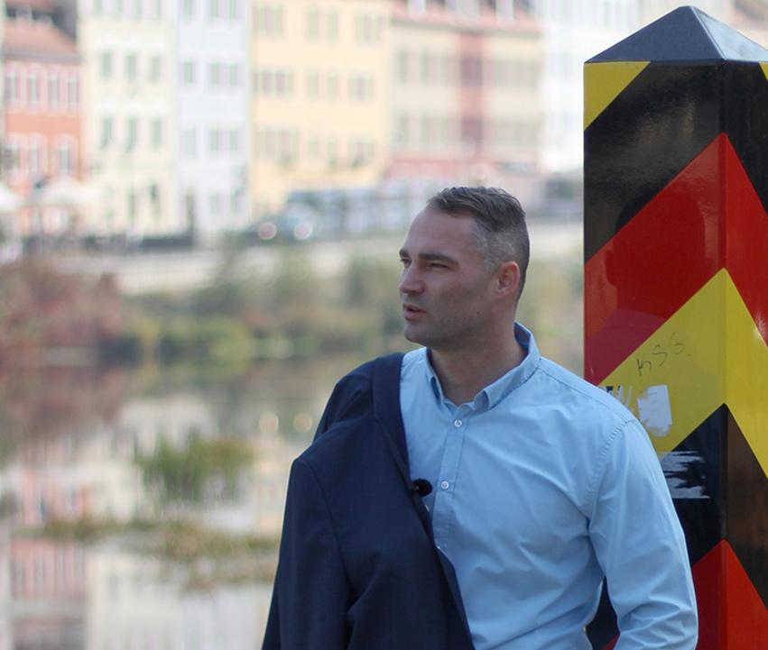Fragenkatalog an Wöller: Warum haben Sie die Hintergründe des Messermords verschwiegen?