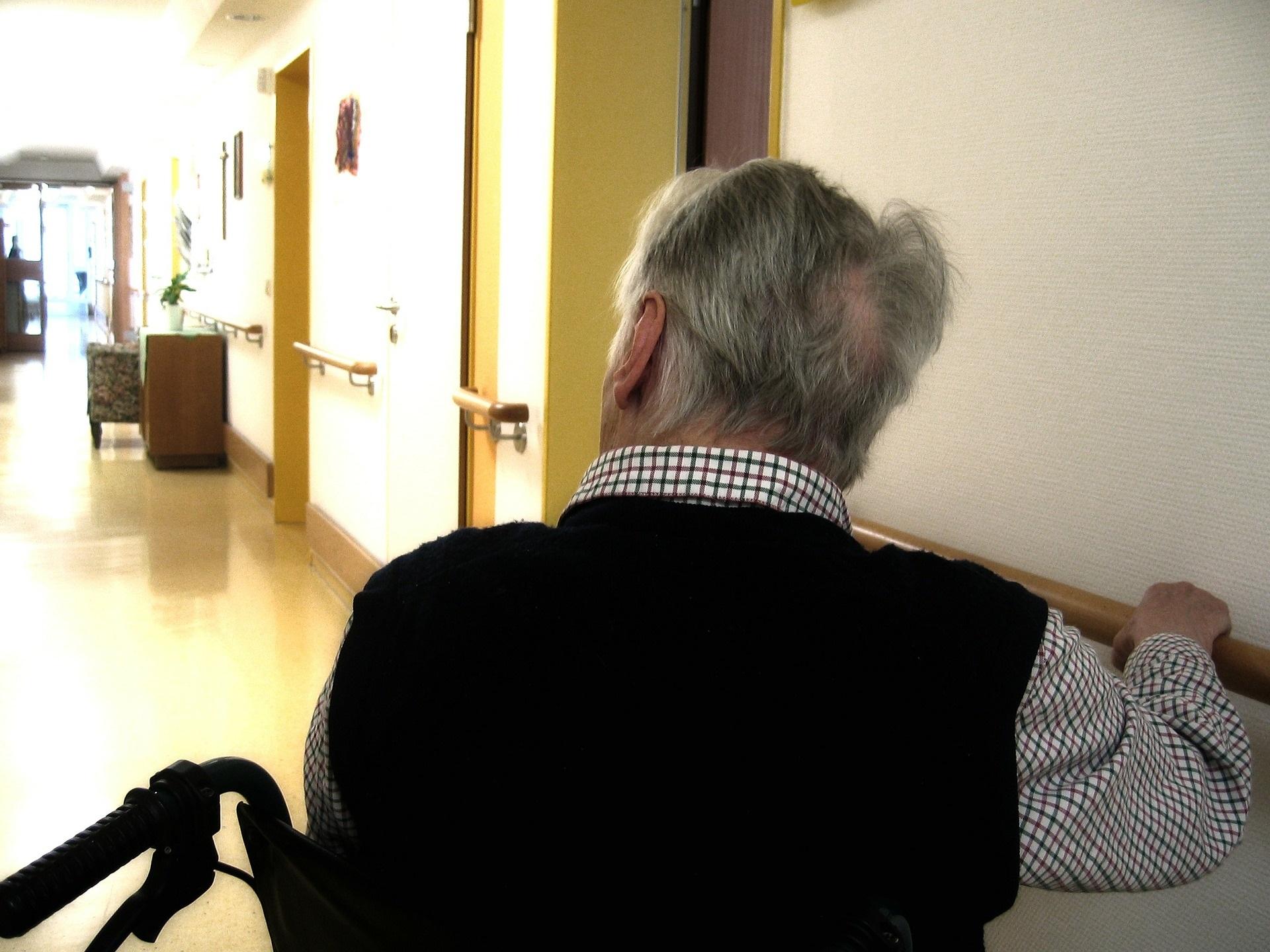 Kostenexplosion Pflege: CDU-Regierung bricht nächstes Versprechen