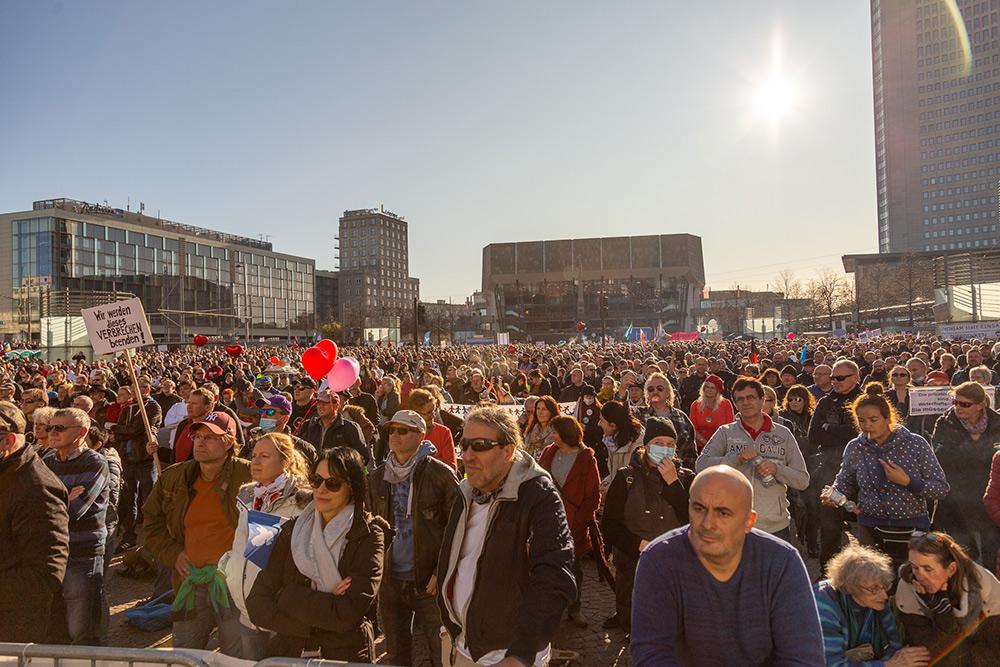 Versammlungsrecht eingeschränkt: AfD-Fraktion prüft rechtliche Schritte!