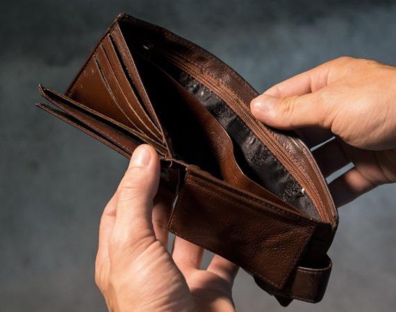 Große Löcher in der Staatskasse: Für was gibt die Regierung unser Geld aus?